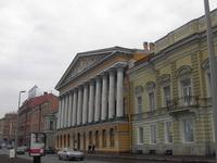 Петербургское здание музея